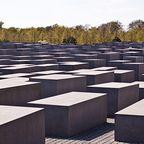 BU und Copyright:  Stelenfeld des Denkmals für die ermordeten Juden Europas, © Stiftung Denkmal, Foto: Marko Priske - Marko Priske