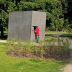 BU und Copyright:  Das Denkmal für die im Nationalsozialismus verfolgten Homosexuellen, © Stiftung Denkmal, Foto: Marko Priske  - Marko Priske